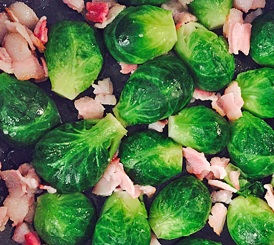 Cooking Brussels sprouts with bacon | Bensa Bacon Lovers